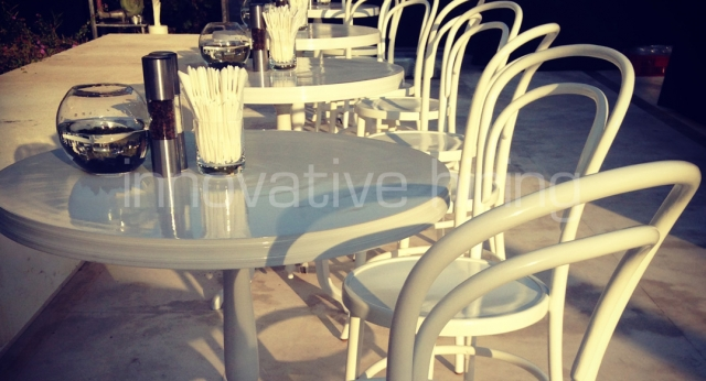 Features: New York Cafe Tables with Bentwood Chairs