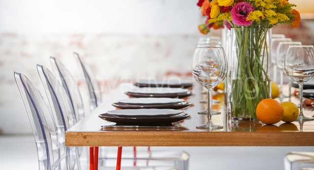 Features: Hairpin Dining Table with Victoria Ghost Chairs