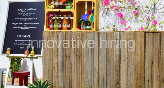 Features: Rustic Bar & Display Easel with Blackboard