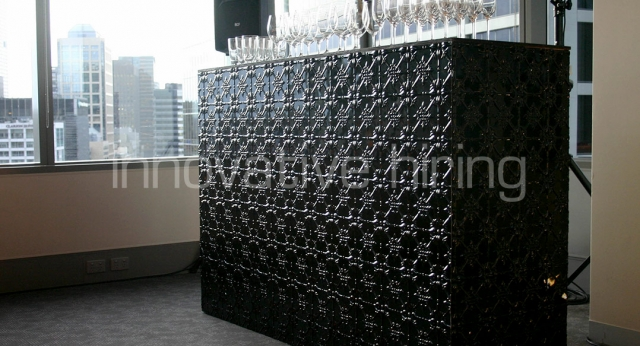 Features: Pressed Metal Bar
