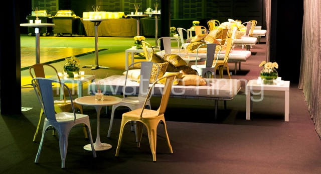 Features: Tulip Cafe Tables with Tolix Chairs